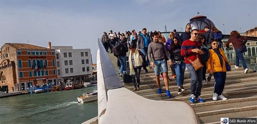 Ponte da Constituição de acesso à estação santa Lúcia - Diário de Bordo - 1 dia em Veneza