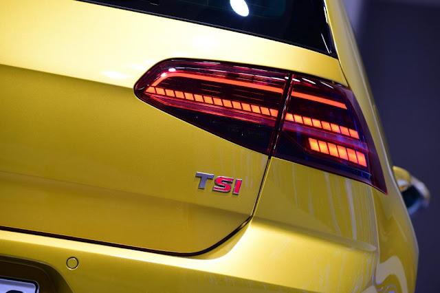 2017 VolksWagen Golf in top automotive news Back LED