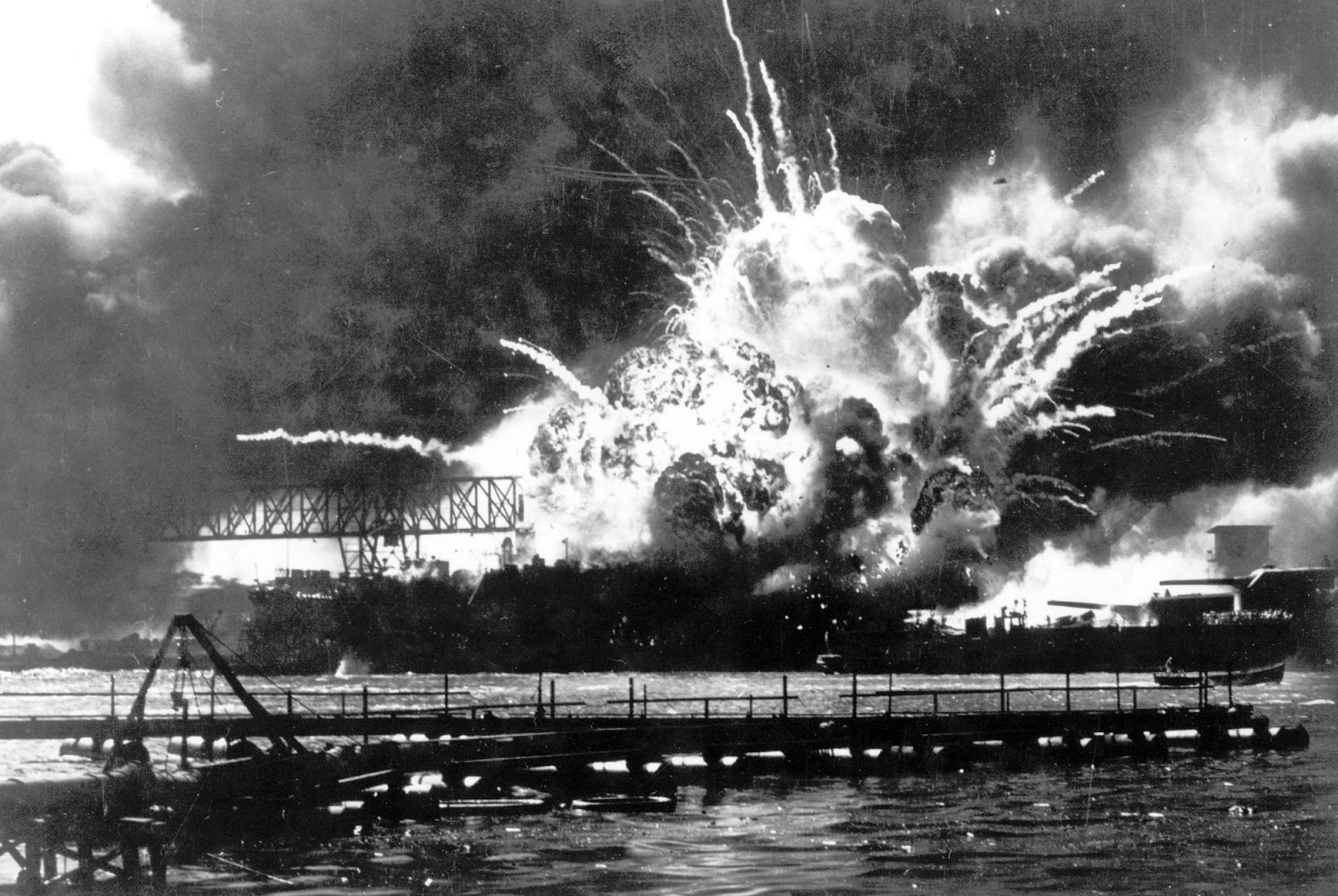 the attack on pearl harbor in 1941 and the reasons behind it Why did the japanese attack pearl harbor but not anywhere else in the us first answer: why did the japanese attack pearl harbor in 1941 briefly.