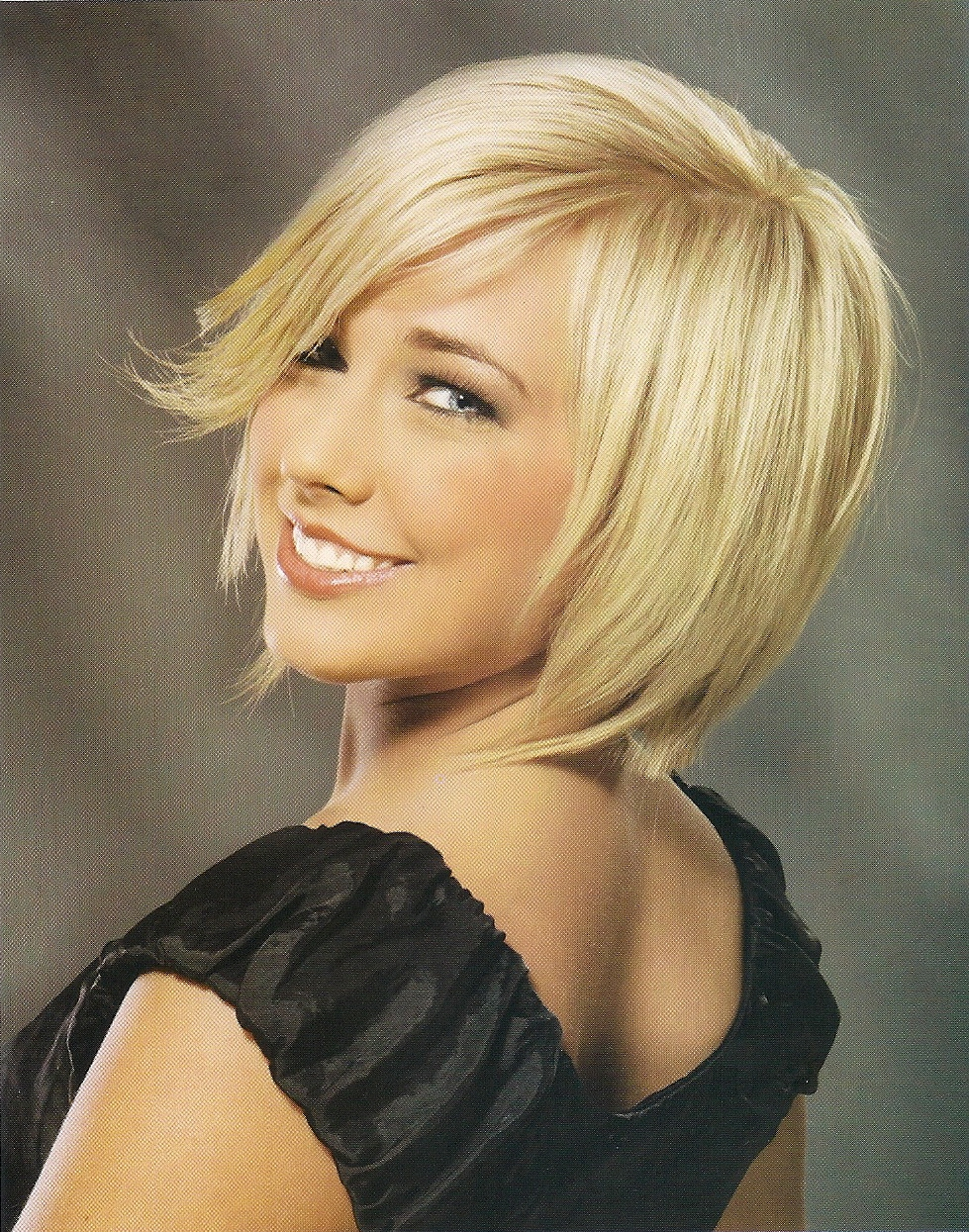 short hair styles layered blonde bob hairstyle pictures. Black Bedroom Furniture Sets. Home Design Ideas