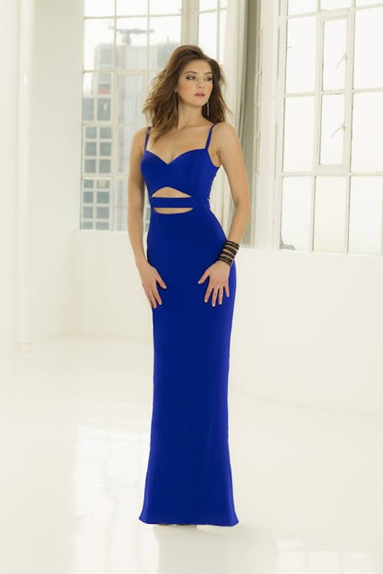 La Femme Blue Sheath Dress with sweetheart style and Straps