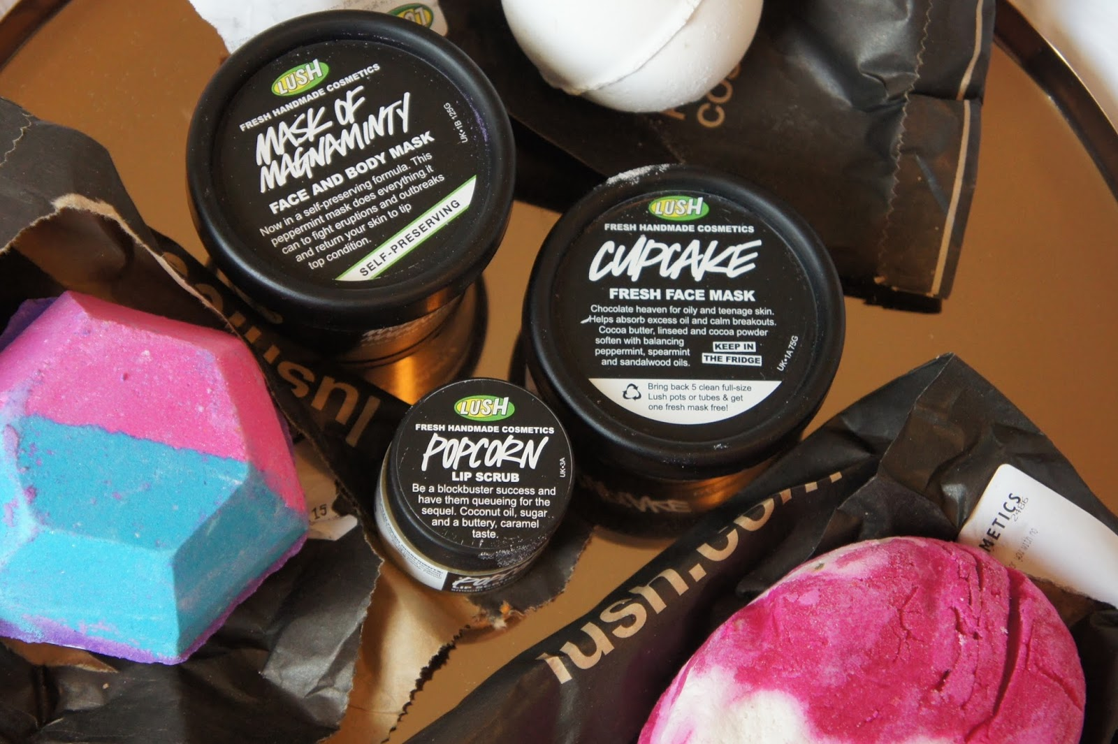 Lush, Experimenter, Comforter, Bubble Bar, Bath Bomb, Face Mask, Cupcake, Mask of Magnaminty, review