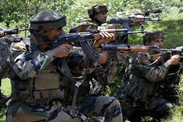 कश्मीर में दो आतंकियों के दिन पूरे, बहादुर जवानों ने ठोंका