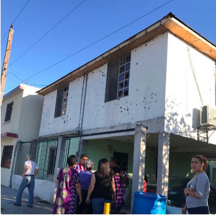 Convoy de 10 camionetas del CDG rafaguean viviendas en Reynosa