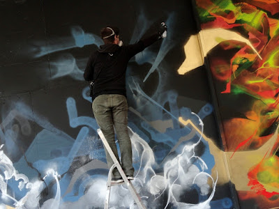 performance du graffeur eyesb bruxelles