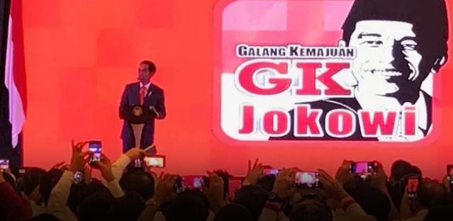 Jokowi Santai, Pendukungnya Panik, Mengapa Gerakan #2019GantiPresiden Begitu Menakutkan?