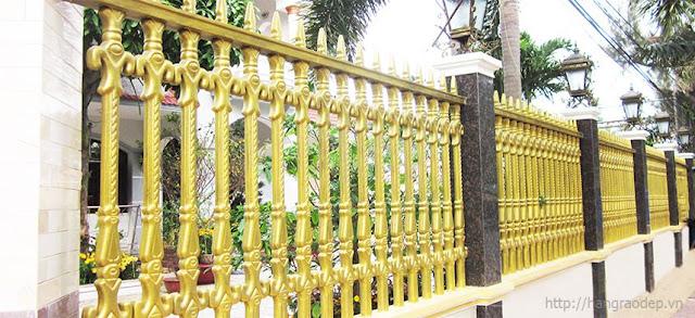 Hàng rào công tước màu vàng lý tưởng cho gia chủ sinh năm 1985