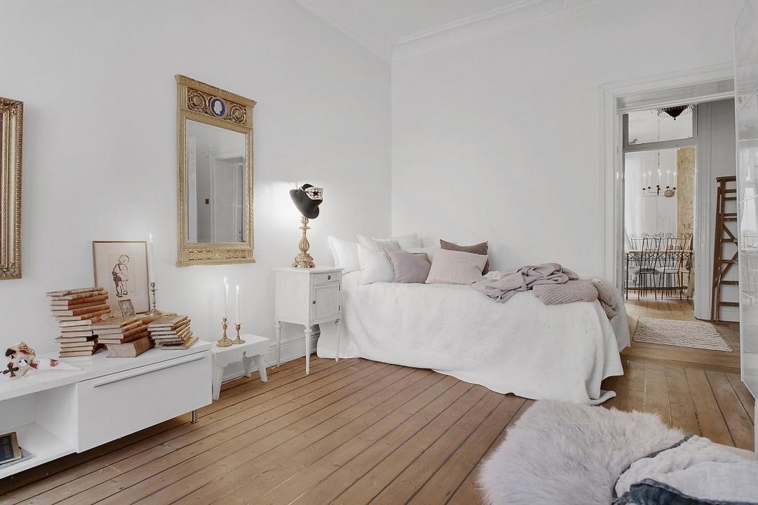 D couvrir l 39 endroit du d cor d co au charme f minin for Deco appartement ancien moderne