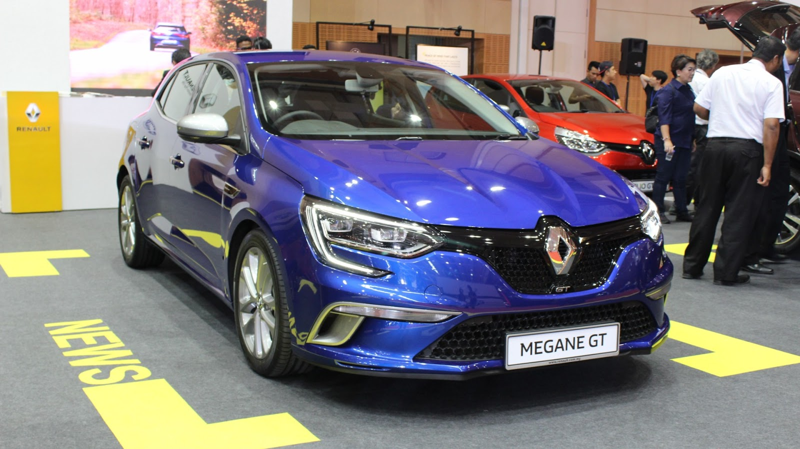 motoring malaysia the new renault megane gt it will be on display at renault 39 s petaling jaya. Black Bedroom Furniture Sets. Home Design Ideas