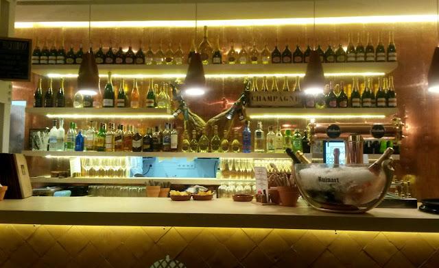 Barra, Bocadillería de Jamón y champán
