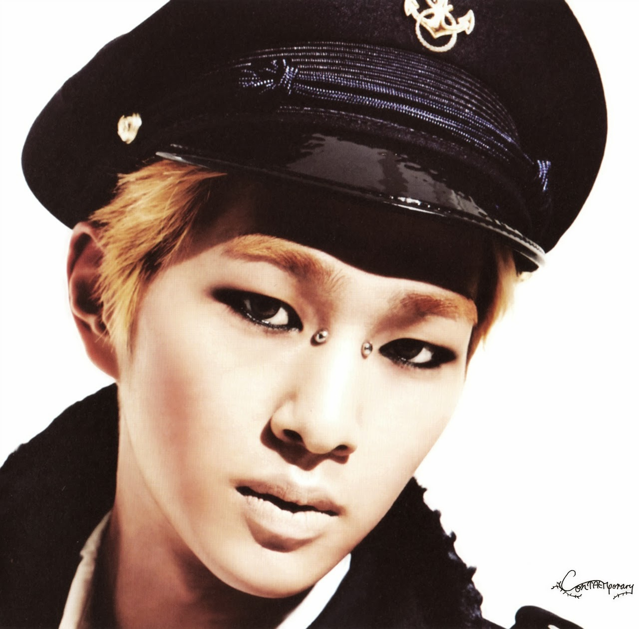 """Onew: Oddness/Weirdness: HQ Scans Of SHINee's """"Everybody"""" Album"""
