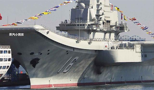 Pintadinho e modernizado o porta-aviões chinês Liaoning veio para criar tensão nos Mares da China e do Japão