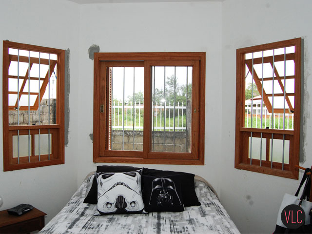 Vista da cama e da janela