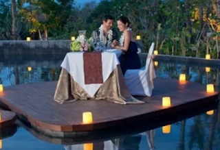 Wisata Romantis Indonesia Menurut ROZIWEB