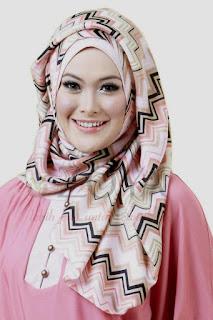 Berbagai Kelebihan Model Hijab Segi Empat