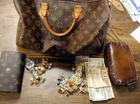 d13135a45c78 В последнее время, на глаза все больше и больше попадаются подделки не  только одежды, но и аксессуаров именитых брэндов. В особенности, сумок Louis  Vuitton.