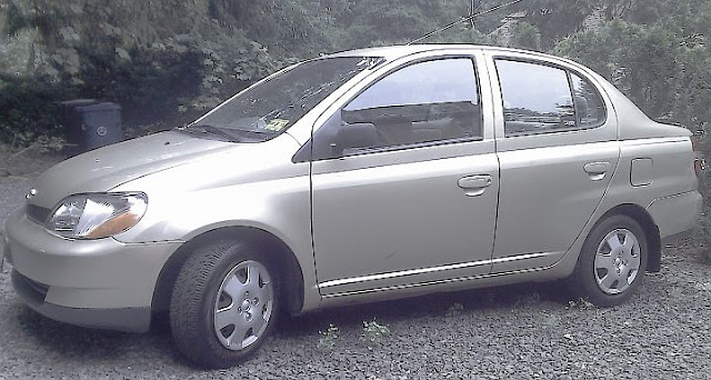 plainfield today dan 39 s 2001 toyota echo is for sale. Black Bedroom Furniture Sets. Home Design Ideas