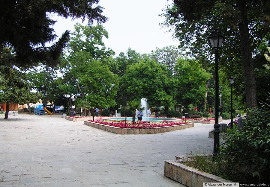 Фонтан в парке Созополя   Fountain in the park of Sozopol
