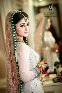 Pakistani Bridal Photo Shoot Poses