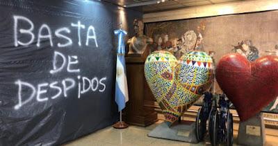 """""""Nunca había sucedido algo así"""": despidos masivos en la Fundación Favaloro"""