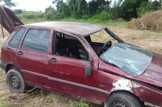 http://vnoticia.com.br/noticia/2656-mulher-ferida-apos-carro-capotar-na-rj-224-em-sfi