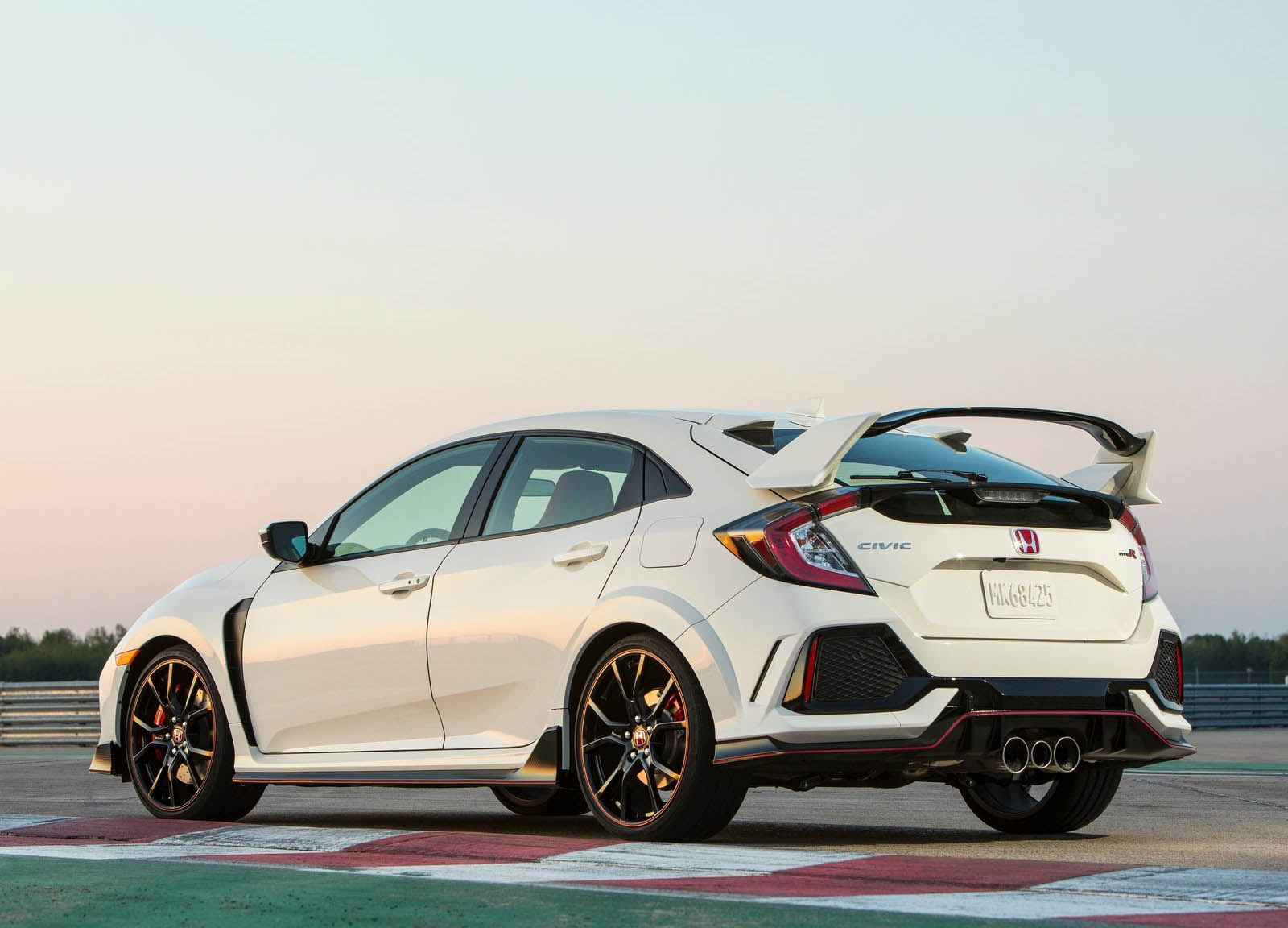 honda 39 s new civic type r is just the beginning says chief. Black Bedroom Furniture Sets. Home Design Ideas