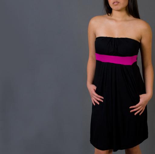 Accesorios para vestido negro y fucsia