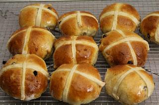 petits pains aux raisins , anglais , Pâques