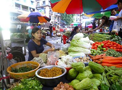 Myanmar street food in Yangon 10