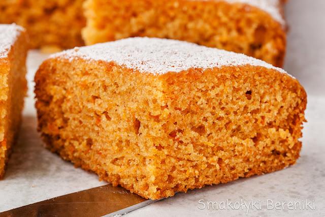 Krówkowe ciasto z marchewką