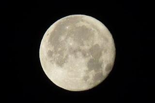 """<img src=""""dieta-de-la-luna.jpg"""" alt=""""la dieta de la luna te promete bajar hasta 3 kilos en poco tiempo"""">"""