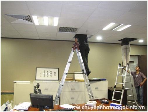 thợ lắp đặt điện