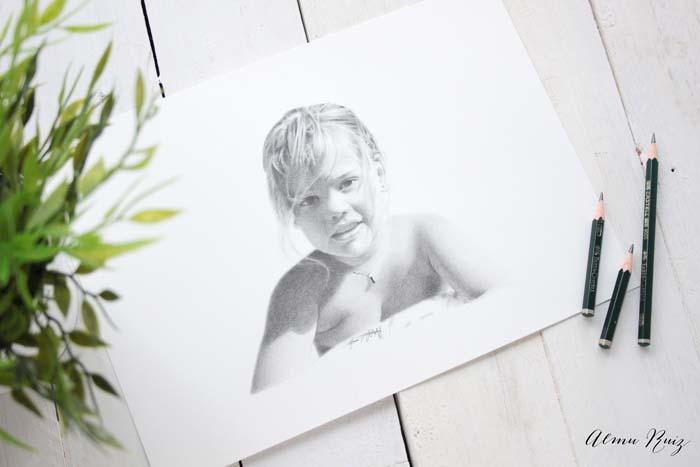 Retrato a lápiz de Paula Olivia Soaps