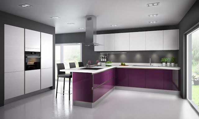 cocina-color-berenjena-con-pared-gris