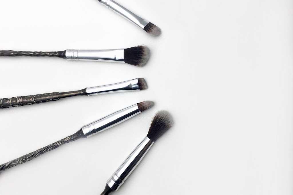 OMG, Harry Potter Wand Makeup Brush!