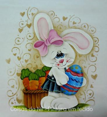 pintura em tecido pano de copa com coelhinha com cesta de cenouras e ovo de pascoa