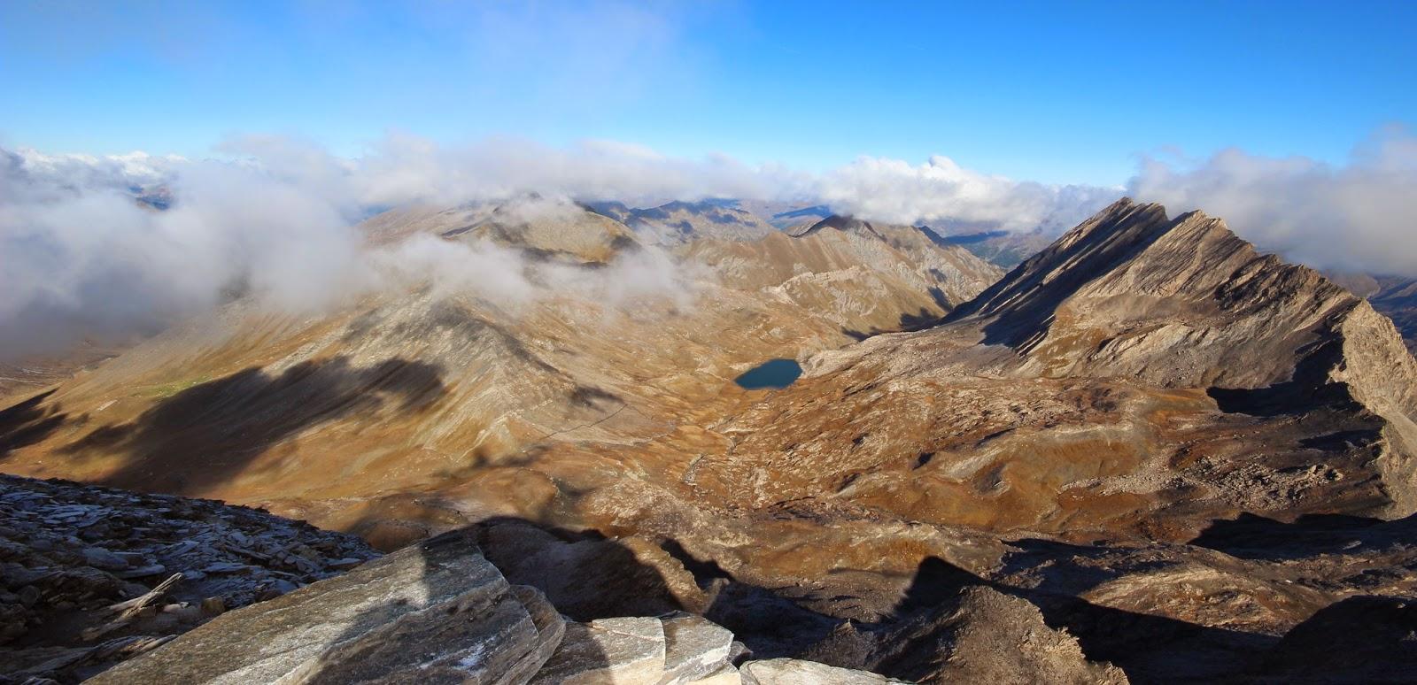 Lac de Foréant vu du sommet du Pain de Sucre