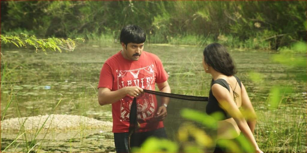 Aa Iddaru Movie Latest Photos Gallery