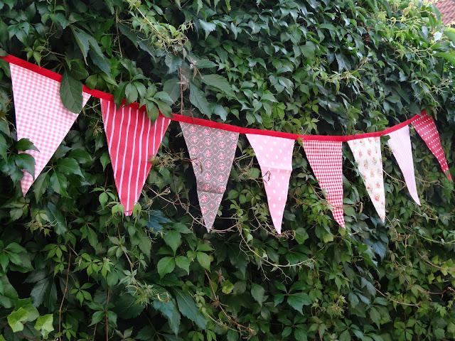Wimpelgirlande für den Garten