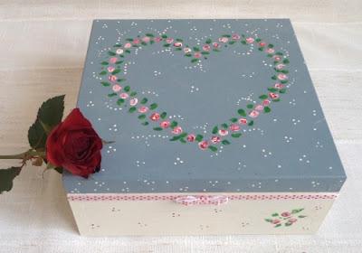 Różane pudełeczko