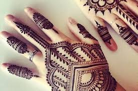 Stylish Mehndi designs for fingers