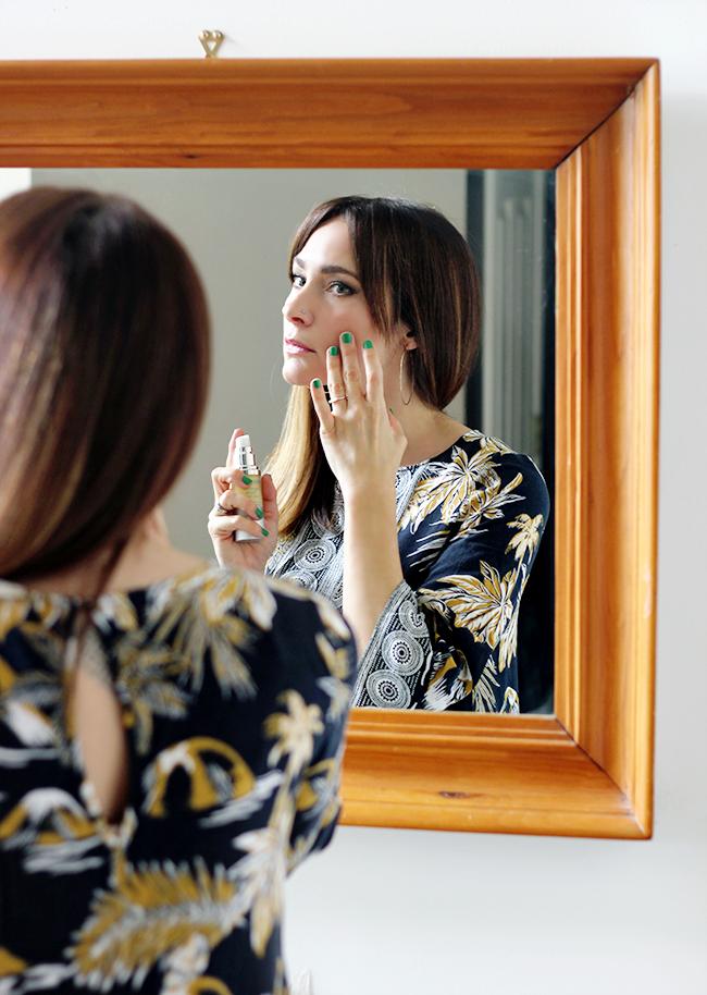 10 Anti-Aging Beauty Hacks