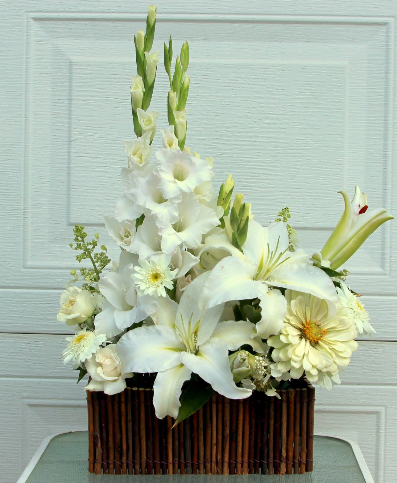 White Floral Arrangements Depth And Beauty With A Monochromatic