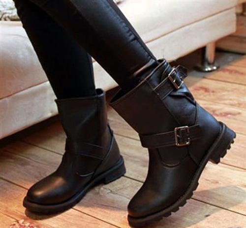 phu nữ cần bao nhiêu đôi giày