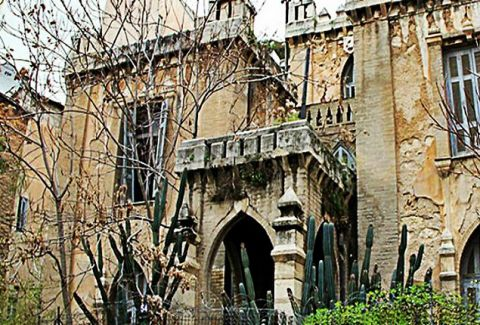 Το... στοιχειωμένο Κάστρο της Πατησίων: Το μοναδικό Νεογοτθικό κτήριο της Αθήνας (Photos)