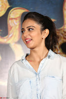 Manjusha and Rakul Preet Singh At Jaya Janaki Nayaka le Logo Launch ~  Exclusive 039.JPG