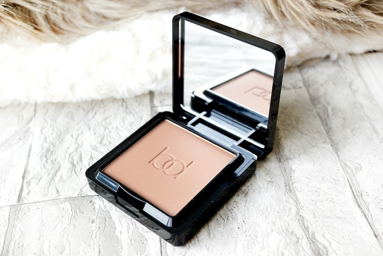 Barbara Daly Velvet Touch Bronzer | A New Contouring