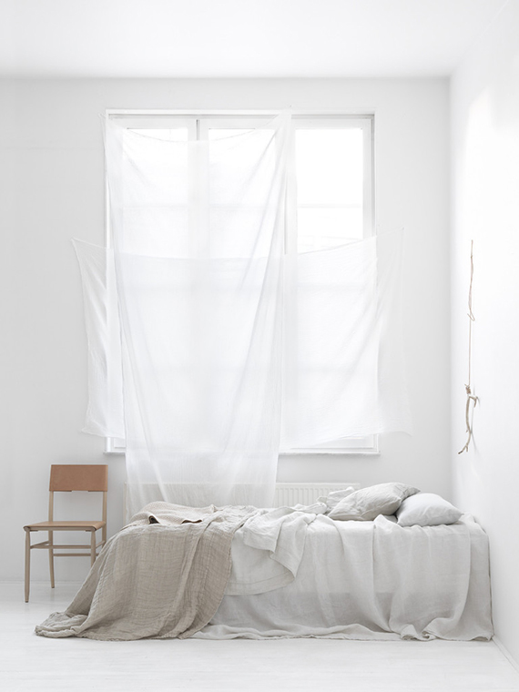 Cozy all white bedroom. Stylist Lo Bjurulf, Photographer Stellan Herner via Elle Decoration