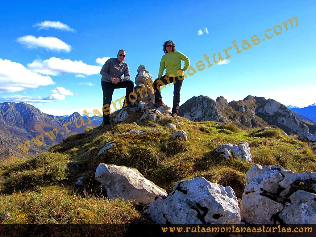 Rutas Montaña Asturias: Foto de cima en la Forcada