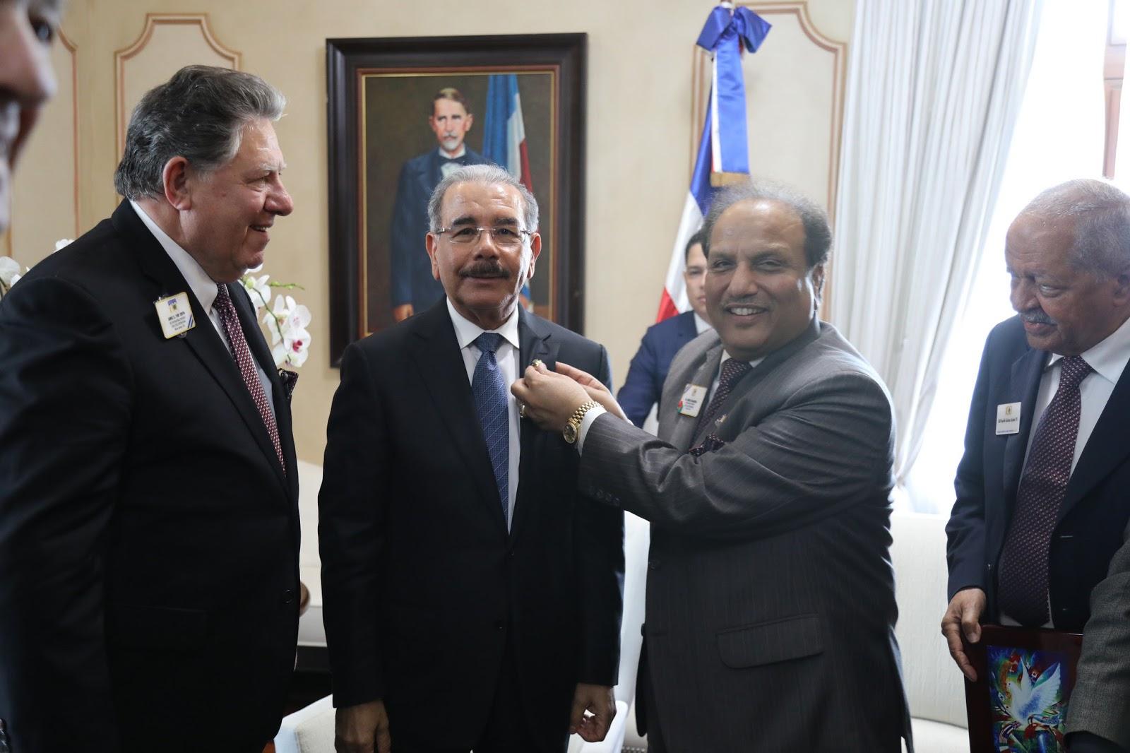 VIDEO: Presidente Danilo Medina recibe a directivos Asociación Internacional Club de Leones